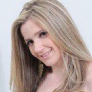 Dra. Juliana Davello